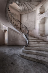 Volubile... (ElfeMarie) Tags: palazzo palais abandonné oublié lost forgotten decay escalier stairs urbex