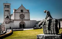San Francesco giunge ad Assisi (ROSSANA76 Getty Images Contributor) Tags: san francesco assisi umbria italia chiesa religione santo cielo prato scultura costruzione opera arte storia