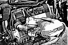 UN VECCHIO MOTORE BMW (SIMEONI STEFANO + 500000 views) Tags: caferacer word mondo città city europe europa nazione dueruote black white nero bianco bmw bw rieti lazio motocicletta moto italia ruote turing