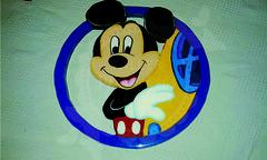 Aplique Mickey Mouse (Taller Mariposas Amarillas) Tags: arte country mdf decoracion infantil mickey mouse niño aplique baby