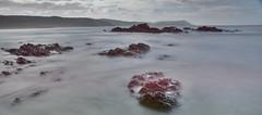 Mar en calma (Rafa perena) Tags: seda largaexposicion longexposure filtrosnd hitech paisaje mar agua landscapes naturaleza nature scenery costa nikon d7100 angular ランドスケープ пейзаж 景觀 rocas cielos nubes