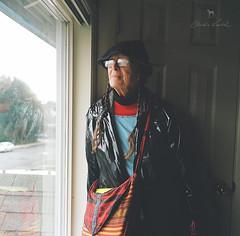 my neighbor Trish (Claudia Künkel) Tags: oregon planar portra400 rolleiflex35f portrait