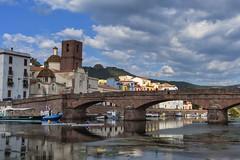 Ponte vecchio (RoLiXiA) Tags: sardegna sardinia sardaigne cerdeña bosa planargia ponte pontevecchio trachite fiume fiumetemo river riflesso panorama landscape