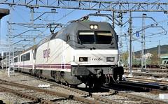 ARRIBANT..... (Andreu Anguera) Tags: intercity 00283 irunbilbao vigo 252016 monfortedelemos andreuanguera