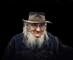 Portrait of a Knowledgeable Gentleman (Kevin_Jeffries) Tags: gentleman interesting kevinjeffries nikon nikkor d7100 live street people old raw character face hat beard newzealand kiwi