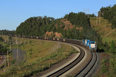 Railfan Rock (GLC 392) Tags: north shore mining nsm railroad railway train emd sd402 2001 5418 655 5am loaded raw ore silver bay mn minnesota railfan rock fan curve