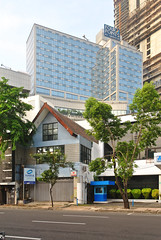 Hotel Four Points Tunjungan (Everyone Sinks Starco (using album)) Tags: surabaya jawatimur eastjava building gedung architecture arsitektur hotel