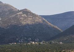 Ano Mpoularii (guillenperez) Tags: grecia greece peninsula peloponnese peloponeso mani ano mpoularii village pueblo tower house casa torre mountain montaña