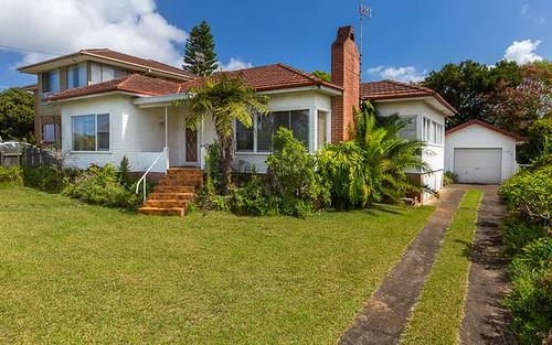 10 Calton Rd, Batehaven NSW 2536