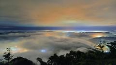 九份二山 ~雲浪琉璃~   Colored glass light Clouds (Shang-fu Dai) Tags: 台灣 taiwan 南投 九份二山 clouds seaofclouds nikon d800e sky 雲海 琉璃光 coloredglasslight liulilazurite landscape formosa nightscene nantou