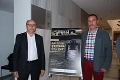 Diego García, con otro de los actores, Juan García. (almeriainformacion) Tags: cine documental la fosa borrada del sur memoria histórica almería museo de