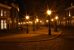 Leiden by night (trijntje55) Tags: street city winter light dark square lights licht leiden streetlights nederland thenetherlands cobblestones plein stad donker straat historichouses straatlantaarns flonkering