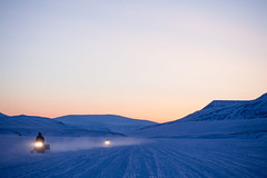 Expedition to nowhere (rovinglight) Tags: winter snow ice expedition evening lowlight driving nowhere svalbard adventure return wilderness middle emptiness spitsbergen snowmobile svalbardandjanmayen