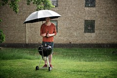 Wet BBQ (lasard) Tags: wet rain umbrella oak texas beef bbq rub weber rasmus frid hickory fotosondag fs130602