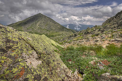madison col 20130704 summit cone (Nicolas Doak) Tags: new clouds canon moss hiking nh hampshire tokina alpine granite lichen paths hdr zone 116 t3i 1116 fourthousandfooters