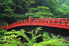 Shinkyo Bridge (cortomaltese) Tags: japan topv2222 nikko topf100 woodenbridge bowbridge redbridge shinkyobridge tochigiprefecture riverdaiya