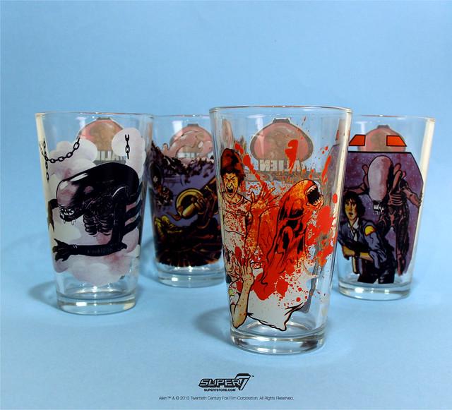 Super7 – 復古異形人偶包 + 血腥玻璃水杯