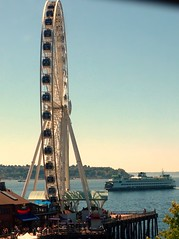 Wheel and Ferry (Anupam_ts) Tags: seattle ferry giantwheel