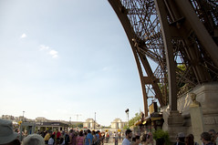 @Tour Eiffel, Paris (hyas_private) Tags: paris france nikon eiffeltower worldheritagesite toureiffel   d90    ladamedefer