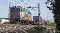 Certosa - Chiasso (Raffaele Russo (LeleD445)) Tags: railroad train milano cargo container casse treno fs stato transco trenitalia treni dello certosa mobili ferrovie chiasso e656 caimano railfans e655 smistamento