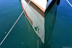 Reflets  la coque (Diegojack) Tags: eau bateaux reflets ouchy miroirs