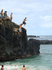 Waimea Bay (zodia81) Tags: ocean sea hawaii northshore waimeabay rockjumping