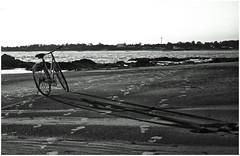 Long shadow (wesp2011) Tags: beach bike canon uruguay sand rocks footprints bicicleta sombra playa arena rocas pisadas huellas shdow 550d t2i