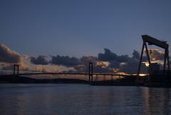 Silhouettes (Explore) (Rudi Pauwels) Tags: sunset göteborg evening nikon sweden schweden gothenburg sverige eriksberg hisingen d80 älvborgsbron nikond80 götaälven gothiariver
