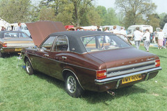 Ford Cortina 2000E - VMX 900M (Andy Reeve-Smith) Tags: ford cortina bedfordshire oldwarden 2000e lutonhoo shuttleworthcollege lutonclassiccarshow bedfordshireclassiccarshow