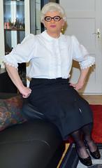 Ingrid023824 (ibach411) Tags: pleatedskirt faltenrock buttonthrough durchgeknöpft blouse bluse mature