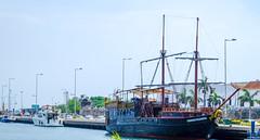 Boating Life, Cartagena, Colombia (Reg Natarajan) Tags: colombia cartagena bolívar