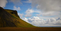 Nubes y paisaje (enrique1959 -) Tags: martesdenubes martes nubes nwn islandia isla europa paisaje cloudsstormssunsetssunrises