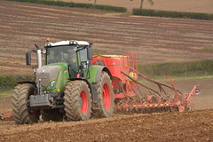 Fendt 936 Vario Tractor with a Vaderstad Spirit 600 C Seed Drill (Shane Casey CK25) Tags: fendt 936 vario tractor with vaderstad spirit 600 c seed drill agco green county wexford sow sowing set setting drilling plant planting till tilling tillage grow growing crop crops spring barley work working horse power horsepower hp pull pulling agriculture agri farm farming farmer field land tracteur traktori traktor trekker trator ciągnik