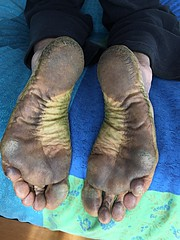 (danragh) Tags: green dirty soles piedi callosi feet barefoot black