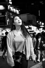 DSCF2880 (yann CM B) Tags: seoul 2017 blackandwhite blackwhitepassionaward blackdiamond woman night nightlife fixlens streetphotography candid fuji fujixt20 korea