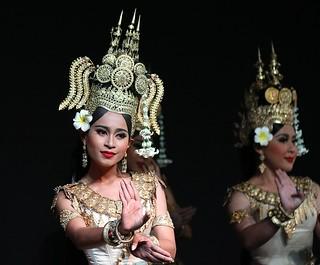 Apsara dance, Cambodia Living Arts