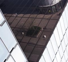 V (wpt1967) Tags: architektur canon50mm eos6d hochhaus hotel medienhafen spiegelung v reflection wpt1967