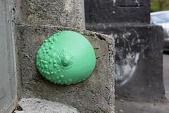 Intra Larue 922 (intra.larue) Tags: intra urbain urban art moulage sein pecho moulding breast seno brust formen téton street arte urbano pit paris france boob urbana peto tetta montmartre