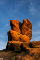 Sunset at Ramshaw Rocks 2 #Sunset #Roaches #Mountain #Cragg #Landscape (tonymorrison.tepd) Tags: rock staffordshire landscape derbyshire peakdistrict weather type sunsetsunrise theroachesnrleeke moor rockyoutcrop canon5ds camera year 2017 sun england uk places