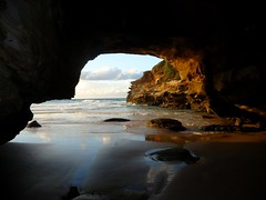 Ghosties Cave - The other side ! (Nelson~Blue) Tags: ghosties cave timber beach