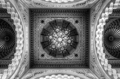 Mosque Ceiling (Rik Tiggelhoven Travel Photography) Tags: hassan ii mosque mosquée moskee grande architecture building interior ceiling symmetry symmetric casablanca marokko maroc morocco africa afrika details canon 6d fullframe full frame ef1740mmf4lusm rik tiggelhoven travel photography chandelier black white noir bw bn monochrome