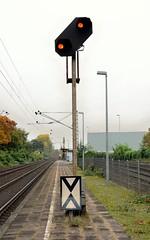 Rheinhausen Ost 28.10.2016 (The STB) Tags: deutscheisenbahn germanrailways railways train zug signale railwaysignal eisenbahnsignal vorsignal
