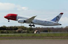 LN-LNE - Copenhagen Kastrup (CPH) 22.04.2017 (Jakob_DK) Tags: 2017 cph ekch copenhagen kastrup storemagleby stmagleby nax norwegian norwegianairshuttle norwegianlonghaul boeing boeing787 787 b787 7878 dreamliner