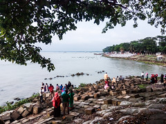 Boro Station (tanimethil) Tags: rajrajeshwar chittagongdivision bangladesh boro station rubayet tanim chandpur tree leaf people brik block meghna river wave public holiday mobilephotography huawei y6 ngc
