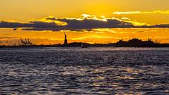 Magical Sunset in NYC I (gatetegris) Tags: ny nyc newyork usa estadosunidos hudsonriver manhattan lowermanhattan sunset sky ocean oceanoatlantico ocaso atlantic atlantico atlanticocean atardecer frombrooklyn brooklynbridgepark dumbo dusk postadesol puestadesol sea mar travel viajar viaje vacaciones statueofliberty estatuadelalibertad
