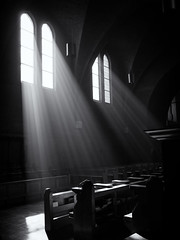 Abdij van Egmond (Paul Beentjes) Tags: nederland netherlands egmond egmondbinnen abdij abbey kerk church jacobsladder zonnestralen sunrays sunbeams inspiratie inspiration rust tranquility