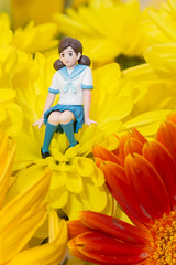 ピアスは校則違反ですよ、フチ子さん (satoshikom) Tags: canoneos60d canonef24105mmf4lisusm canonspeedlite430exii フチ子 kitchen flower daisy gerbera lily midnight