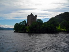 Urquart castle and Loch Ness, Scotland (Phil Kinsale) Tags: castle scotland loch lochness nessie urquart urquartcastle