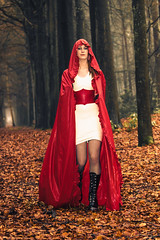 Latex Red Riding Hood (Dennis Bevers) Tags: woman girl fashion fetish person model photoshoot belgium fantasy be latex cape antwerp mystic redridinghood vorselaar alisondewolf