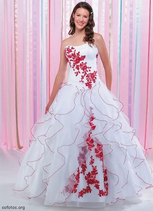 Vestido de noiva branco e vermelho